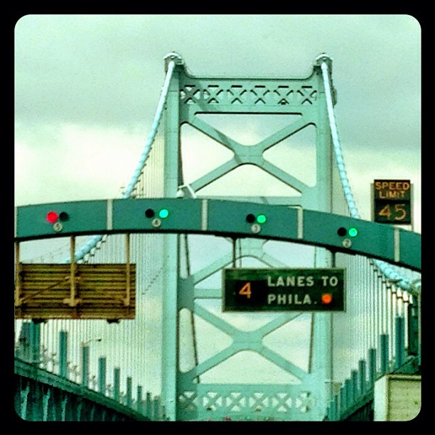 ben franklin bridge to philadelphia