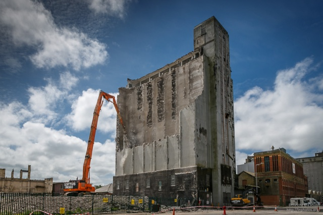 Old Grain Silo, Cork Docklands Photo by Donncha Ó Caoimh -- All rights reserved